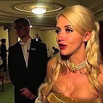 Cathy Lugner und Richard streiten am Opernball