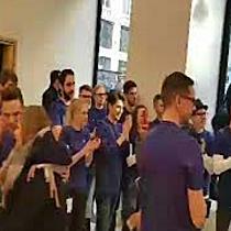 Erster Apple Store in Wien eröffnet Teil 2