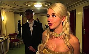 Cathy Lugner und Richard streiten am Opernball