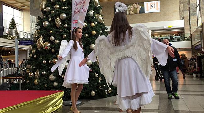 Tanzende Engel am Westbahnhof