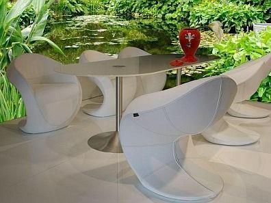 Möbel: Myyour, Vase: Bitossi Ceramiche
