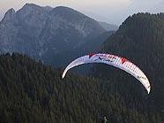 Mit dem Gleitschirm quer über die Alpen