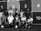 Sie freuen sich auf das Fussballcamp und die neue Torschusswand. Jugendliche aus Sulz.