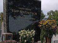 """Abschied vom """"Champ"""" am Grab von Edip Sekowitsch in Wien"""
