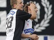 Beichler und Hölzl feiern das 1:0 gegen Rapid