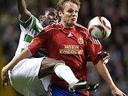Landry N'Guemo (Celtic) gegen Markus Heikkinen