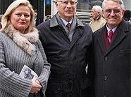 Gemeinderätin Elisabeth Vitouch, Fred Zinnemanns Sohn Tim und US-Botschaftsrat Robert Huggins.