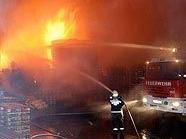 Großbrand in einer Lagerhalle in der Siebenhirtenstraße in Wien-Liesing