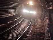 Soll die U-Bahn am Wochenende 24 Stunden in Betrieb sein? Eine der fünf Fragen.