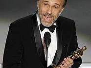 Da hat er ihn: Christoph Waltz mit dem Oscar