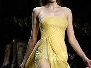 Kleid von Elie Saab