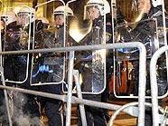 Polizisten bei der Demo gegen den Ball des Wiener Korporationsringes