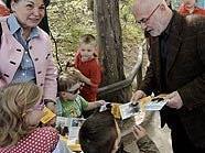 Der christliche Präsidentschaftskandidat Rudolf Gehring im Zoo Schönbrunn