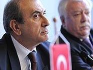 Der türkische Botschafter Kadri Ecvet Tezcan und Bürgermeister Michael Häupl bei einer Pressekonferenz
