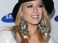 Hilary Duff liebt es mit ihrem Verlobten Scrabbel zu spielen.