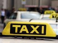 Der Taxifahrer wurde an der Hand verletzt.