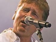 Fendrich ist mit seinen zahlreichen Hits auf der großen Festbühne