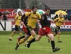 Stefan Knünz (l.) spielt wieder für FC Bizau.