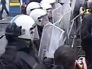 Szene von der Dammstraßen-Demo 2009 in Wien