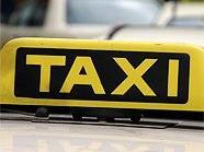 Beide Taxifahrer erlitten Prellungen.