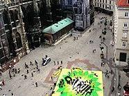Greenpeace-Transparent auf dem Wiener Stephansplatz