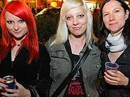 Besucher beim 13. Gürtel Nightwalk in Wien