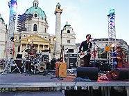Clara Luzia eröffnete das Popfest Wien 2010.