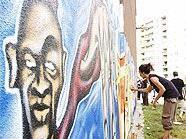 Graffitikünstler am Werk: Bunte Wände  für die Donaustadt