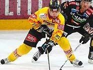 Benoit Gratton fightet auf dem Eis um jeden Zentimeter