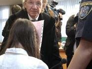 Rechtsanwalt Ernst Schillhammer und das angeklagte Mädchen