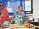 FCD-Gastronomie-Chef Wolfgang Höfle mit seinem Team laden erstmals zur Schlachtpartie.