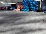 Ein 25-jähriger Obdachloser wurde schwer verletzt.