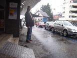 Johann Hirzi wünscht sich dringend einen Behindertenparkplatz in der Eisengasse.