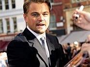 Noch mal gut gegangen: Leonardo DiCaprio (36) ist knapp einer Flugzeugkatastrophe entkommen, als die Maschine, in der er saß, Probleme mit dem Motor bekam.
