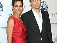 Schauspielerin Halle Berry und ihr Freund Olivier Martinez wollen anscheinend eine Familie gründen.