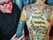 Tattoos to the Mäx
