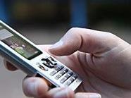 Ein 12-Jähriger wurde um sein Mobiltelefon gebracht.