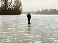 Die Bombe musste aus der vereisten Donau geborgen werden.