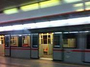 Ab der Station Kardinal-Nagl-Platz kam es zu eingleisigem Verkehr.