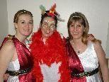 Cornelia, Martina und Christine freuen sich auf den Musikball