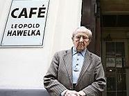 Das Cafe Hawelka hat ab sofort sieben Tage in der Woche geöffnet.