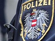 Die eintreffende Polizei wurde von dem tobenden Afghanen attackiert.