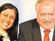Wiens Grünen-Chefin Maria Vassilakou und Bürgermeister Michael Häupl sind nach 100 Tagen Rot-Grün in Wien zufrieden.