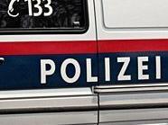 Die Diebinnen wurden von der Polizei festgenommen.