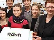STR. Oxonitsch und BV Blimlinger eröffnen mit den Betreiberinnen Wiens erstes partizipatives Mädchencafé.