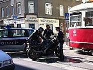Auf der Märzstraße war der Motorradfahrer zu Sturz gekommen.