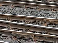 Der Lebensmüde wurde von den Bahngleisen in 1020 Wien gezogen.