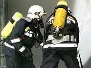 Die Feuerwehr rückte unter Atemschutz vor.