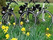 Die Nationalpark-Ranger der Donau-Auen sind nun mit E-Bikes unterwegs.