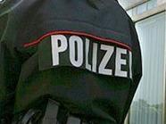 Die Polizisten wurden leicht verletzt, behielten aber doch die Oberhand.
